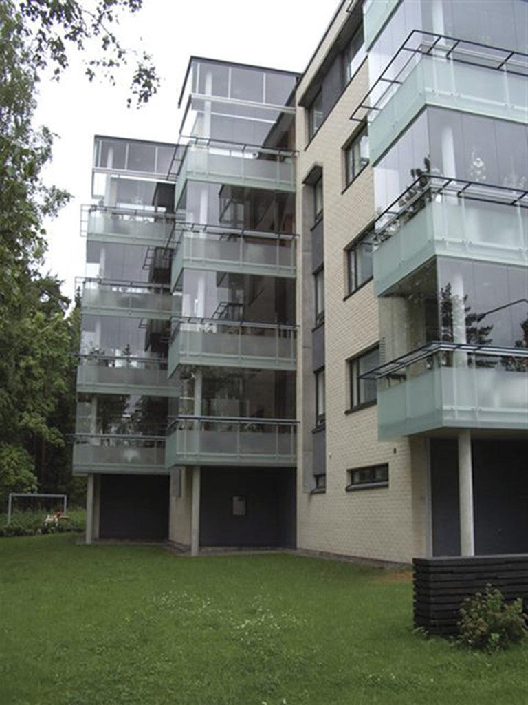 Balkonginglasning, inglasning av balkong och uterum | Bentech